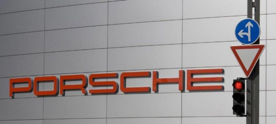 """""""Porsche"""" atsidūrė ant bankroto slenksčio"""