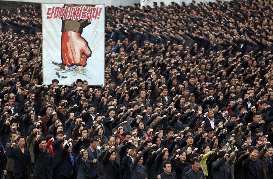 Demonstracija Kim Il Sungo aikštėje
