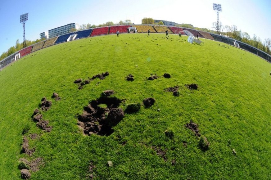 """Vandalų nuniokotas """"Žalgirio"""" stadionas"""