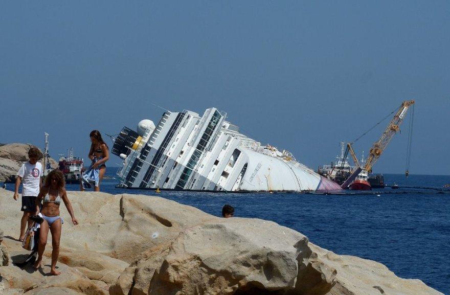 """""""Costa Concordia"""" kruizinis laivas"""