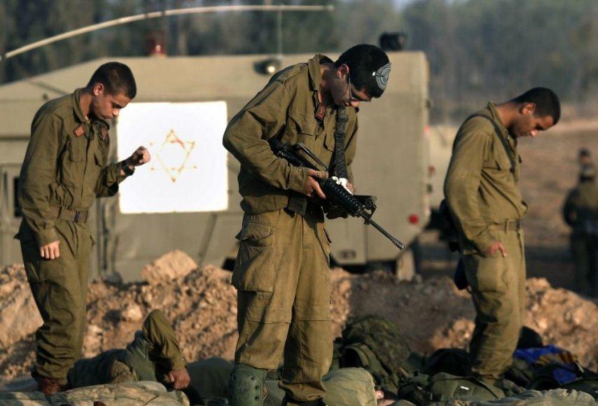 Izraelio kariai netoli sienos su Gazos Ruožu