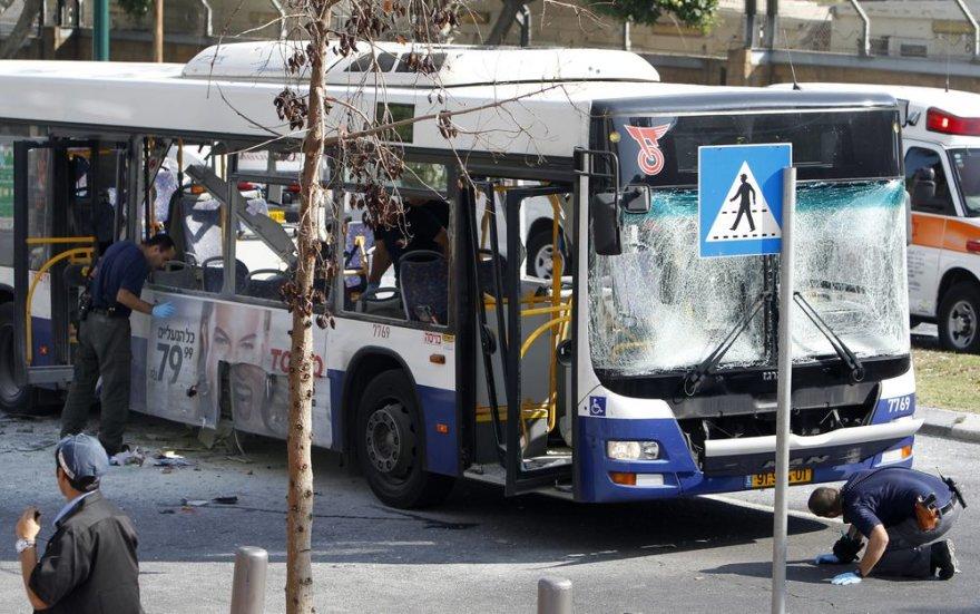 Autobusas po sprogimo Tel Avive