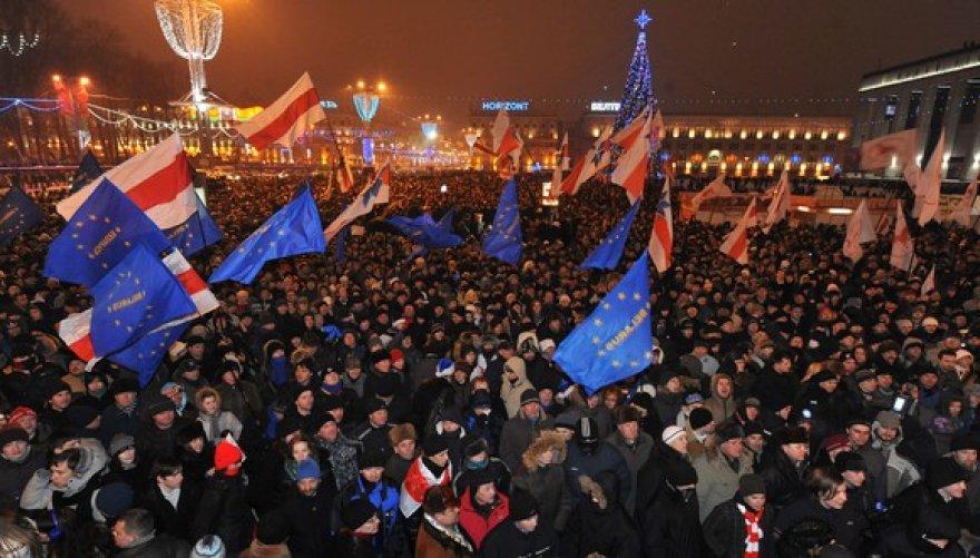 Protestuotojų minia