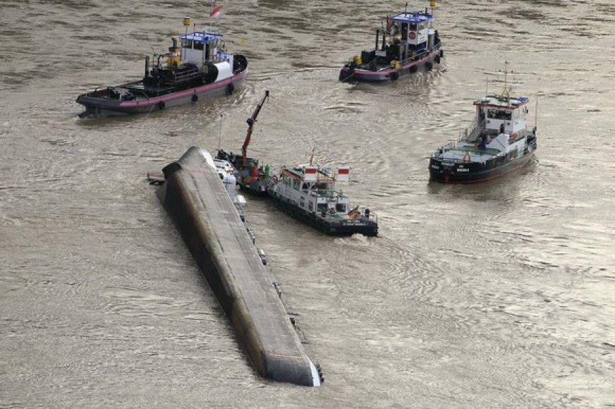 Apvirtęs tanklaivis