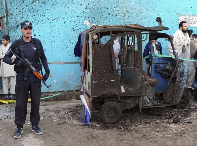Pakistano policininkas nelaimės vietoje