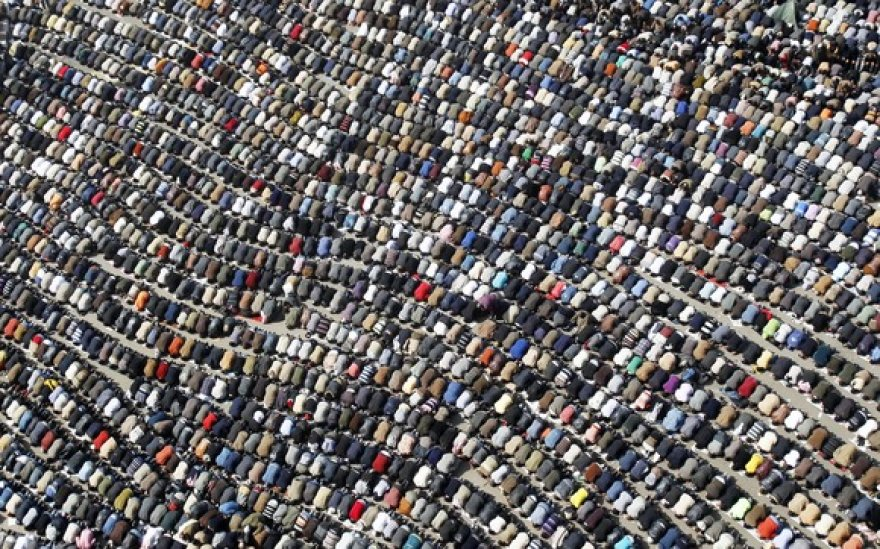 Besimeldžiantys egiptiečiai Tahriro aikštėje