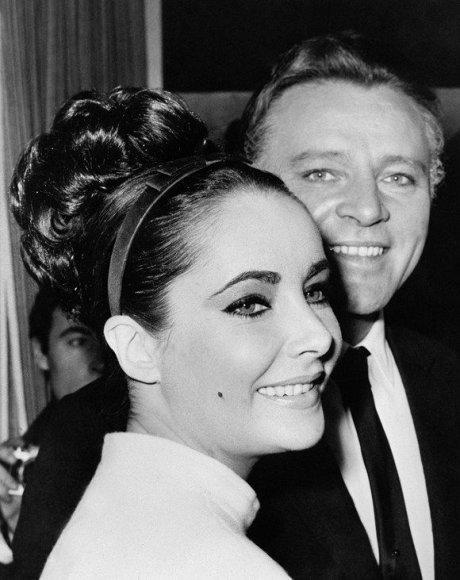 Elizabeth Taylor su savo vyru Richardu Burtonu (1962 m.)