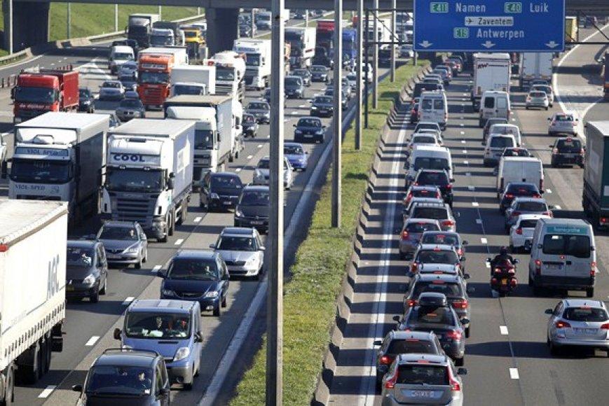 Dėl protestų susidarė automobilių spūstis Briuselio apvažiavime.
