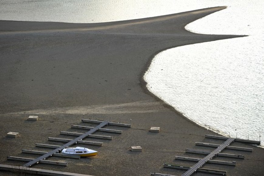 Nusekęs vanduo Gruyere'o ežere