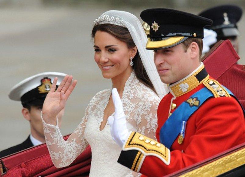 Kate Middleton ir Princas Williamas karietoje