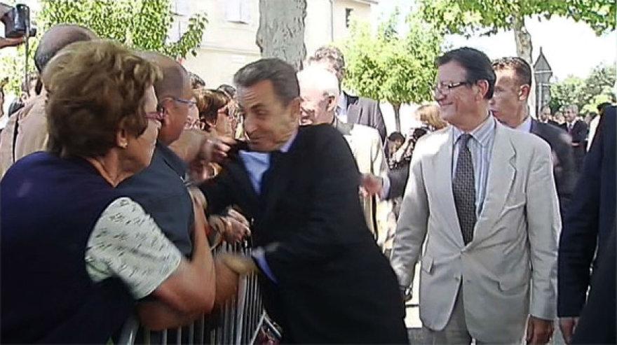 Prancūzijos prezidento Nicolas Sarkozy užpuolimo akimirka