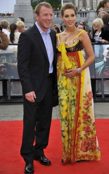 Guy Ritchie su modeliu Jacqui Ainsley