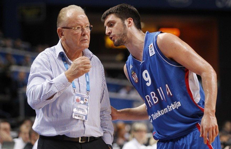 Serbijos vyrų krepšinio rinktinės treneris Duško Ivkovičius ir Stefanas Markovičius (dešinėje)