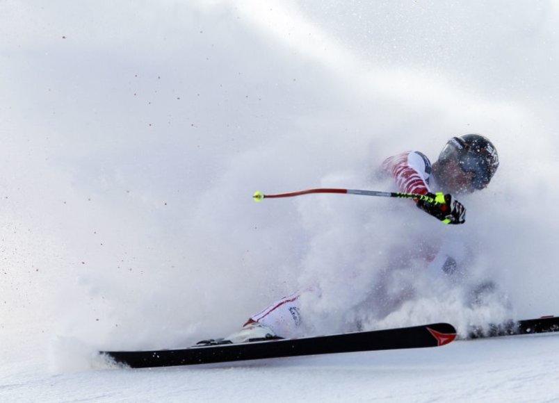 Austrijos kalnų slidininkas M.Scheiberis patyrė daugybinius lūžius.