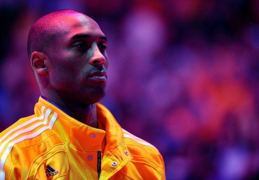 """Turkai siekia prisivilioti """"Los Angeles Lakers"""" žvaigždę Kobe Bryantą"""
