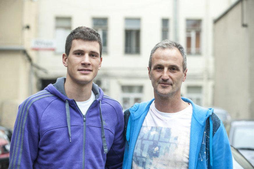 Nemanja Nedovičius su savo tėčiu