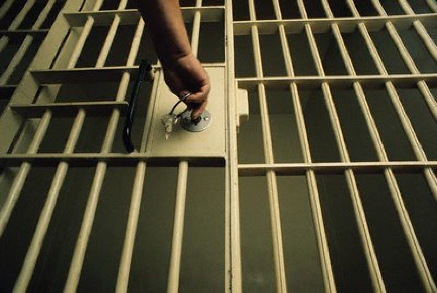Singapūre svarstoma galimybė nusižengėlius bausti kalėjimu