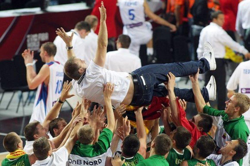 Istorinės Lietuvos krepšinio rinktinės pergalės triumfo akimirkos