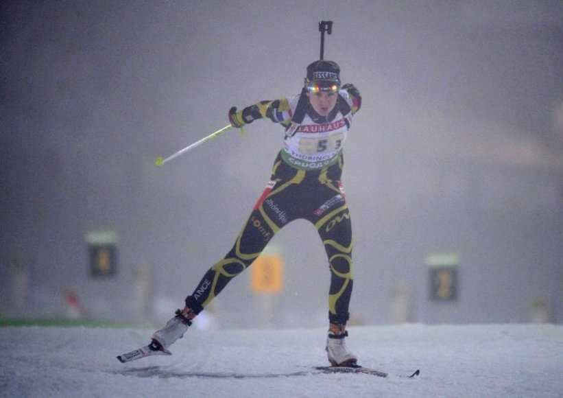 Moterų biatlono varžybų akimirka