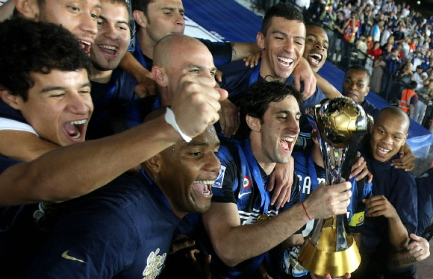 Milano futbolininkai triumfuoja po pergalės pasaulio klubų taurės finale.