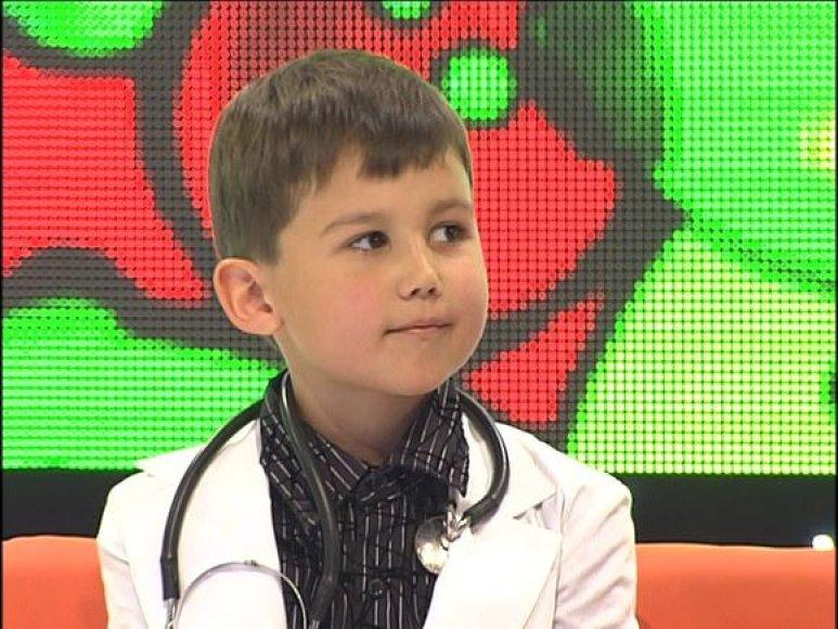 Septynmetis genijus studijuoja anatomijos atlasus ir nori tapti kardiochirurgu