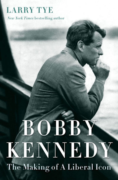 "Knygos viršelis/Knyga ""Bobby Kennedy: The Making of a Liberal Icon"""