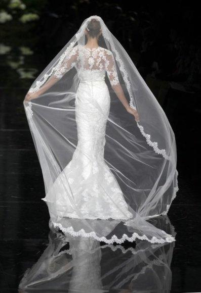 Dizaineriai pristatė naujausias vestuvines sukneles