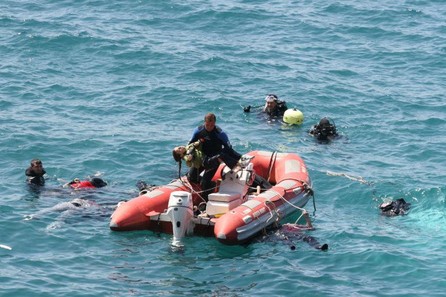 Prie vakarinių Turkijos krantų ketvirtadienį apvirto valtis su nelegaliais migrantais.