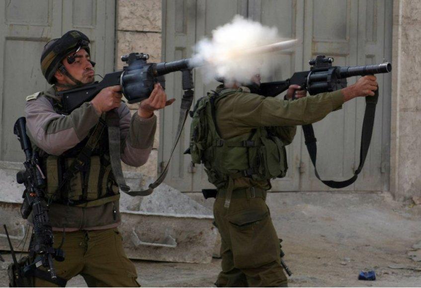 Po šeštadienį Izraelio aviacijos suduoto smūgio Gazos ruožui, bendras žuvusiųjų skaičius padidėjo iki 33. Nesiliaujančių Izraelio antskrydžių kampanijai tęsiantis jau ketvirtą dieną iš eilės.