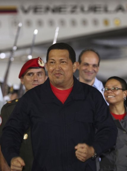 Hugo Chavezas grįžo į šalį