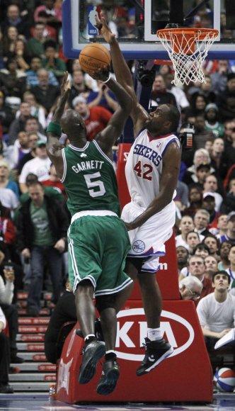 """""""76ers"""" – """"Celtics"""" rungtynių akimirka"""