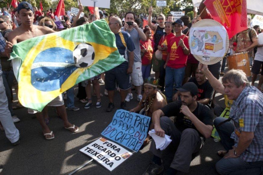 Brazilijos futbolo sirgaliai reikalauja federacijos vadovo atsistatydinimo