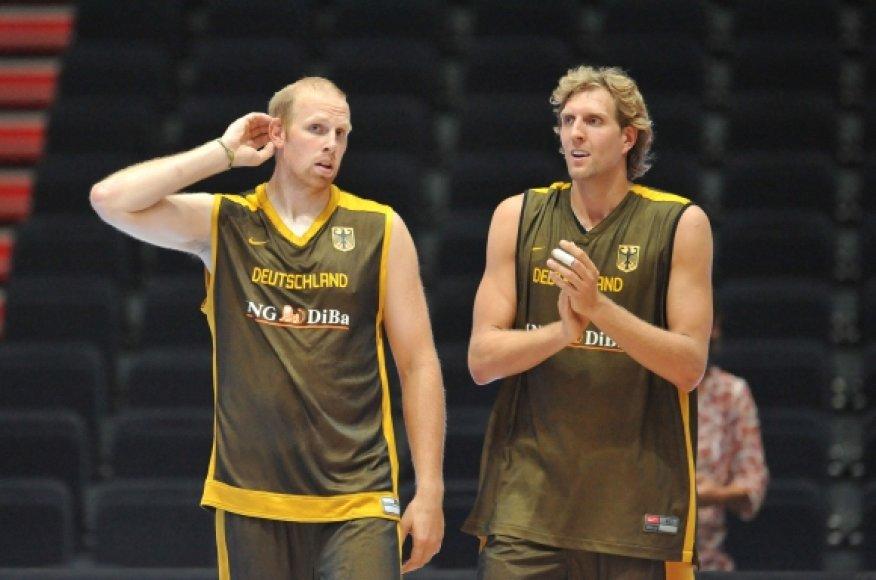 Chrisas Kamanas ir Dirkas Nowitzkis