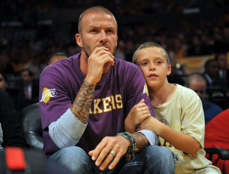 Davidas Beckhamas su sūnumi Brooklynu