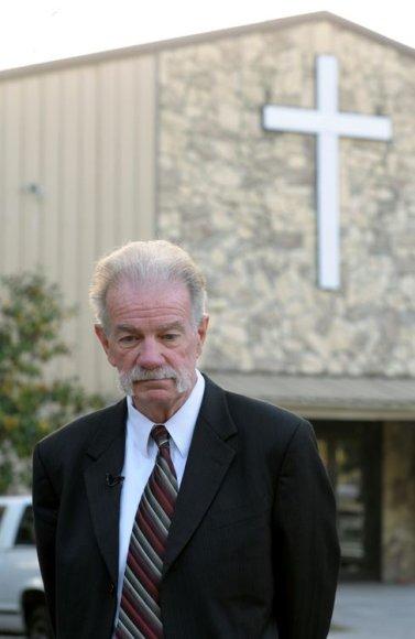 Floridos pastorius Terry Jonesas.