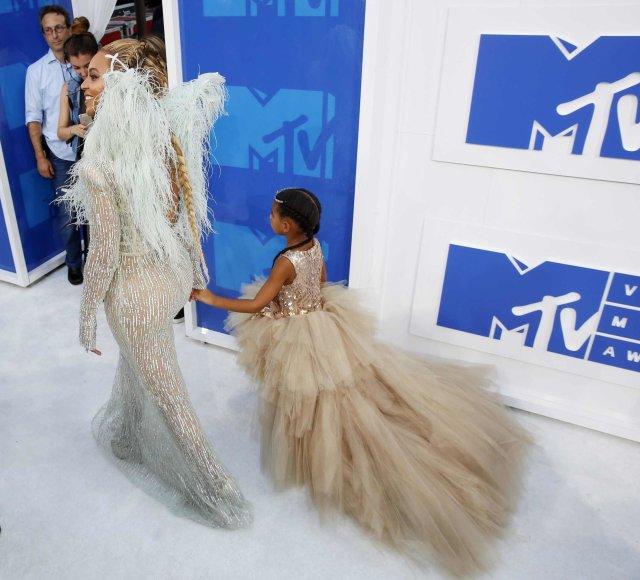 """Reuters""/""Scanpix"" nuotr./Beyonce su dukra Blue Ivy"