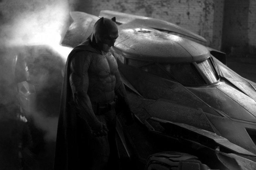 """Kadras iš filmo/Benas Affleckas filme """"Betmenas prieš Supermeną: teisingumo aušra"""""""