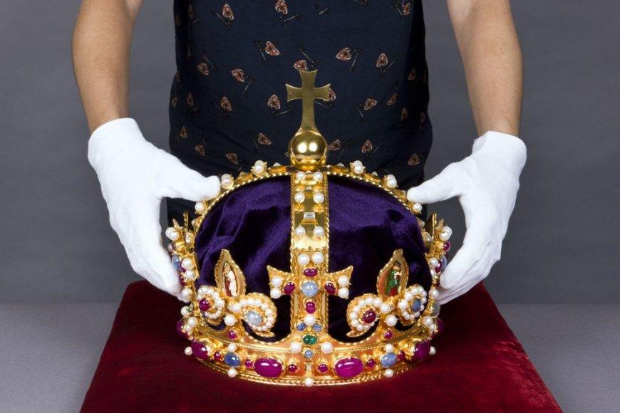 Atkurta karaliaus Henriko VIII karūna