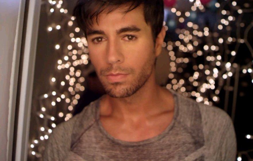 """Enrique Iglesias dainos """"Turn The Night Up"""" vaizdo klipe"""