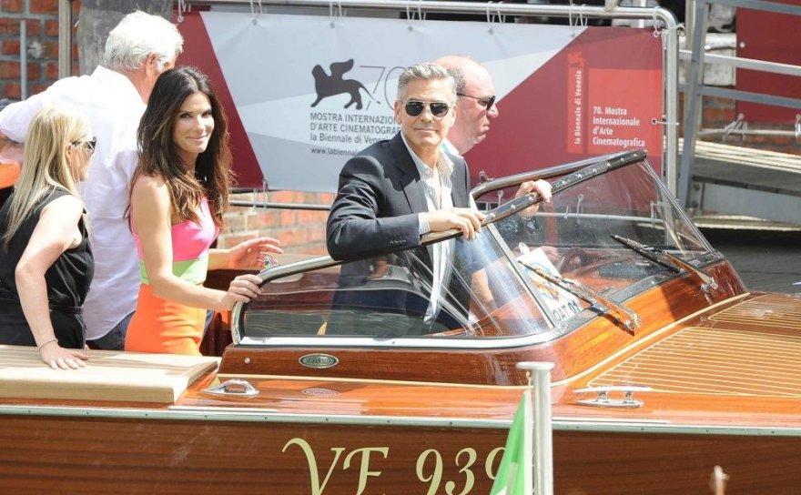 George'as Clooney ir Sandra Bullock Venecijos kino festivalyje