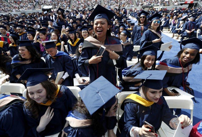 """""""Scanpix""""/AP nuotr./Fairleigh Dickinsono universiteto diplomų įteikimo ceremonija"""