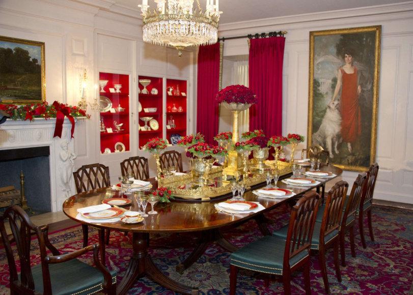 """""""Scanpix""""/""""Sipa USA"""" nuotr./Melanios Trump parinkti kalėdiniai papuošimai Baltuosiuose rūmuose"""