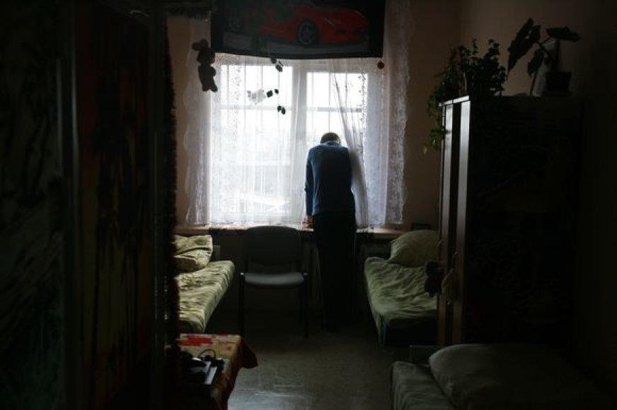 Kolonijoje bausmę atlikusių paauglių laisvėje laukia nežinia.