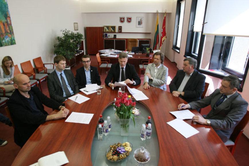 Kauno valdančiosios koalicijos partneriai pradėjo nesutarti  svarbiais klausimais.