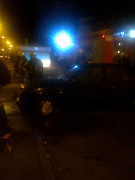 Užgesinti automobilį padėjo taksistai.