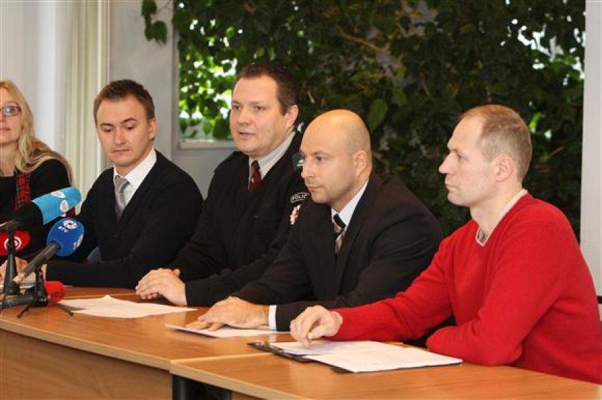 Kauno policijos, daugiabučių namų administratorių ir pašto atstovai parengė sukčiavimų užkardymo planą.