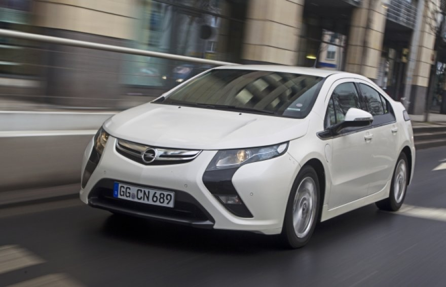 """""""Opel Ampera"""": naujas vokiečių hibridas"""