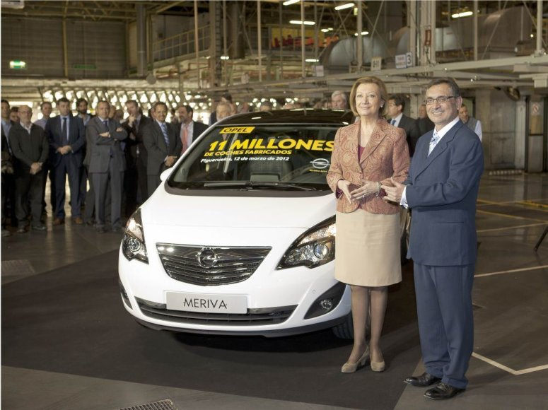 Aragono prezidentė Luisa Fernanda Rudi su Ispanijos GM vadovu Antonio Cobo
