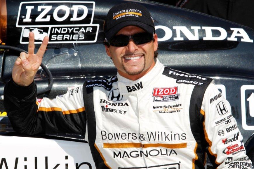 """""""IndyCar"""" lenktynių Teksase kvalifikacijos akimirka"""