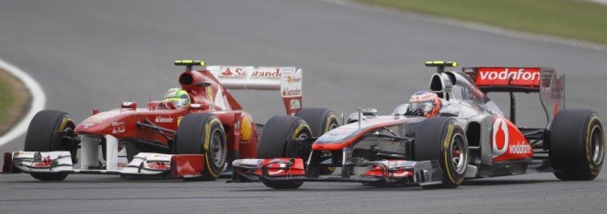 Felipe Massa (kairėje) ir Lewisas Hamiltonas